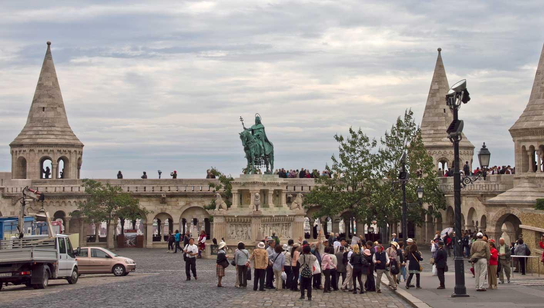 فيينا .. بودابست . المجر