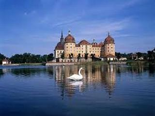 بودابست BUDAPEST – غابات فيينا  VIENNA WOODS – النمسا AUSTRIA – ميرلنج MAYERLING - فيينا VIENNA