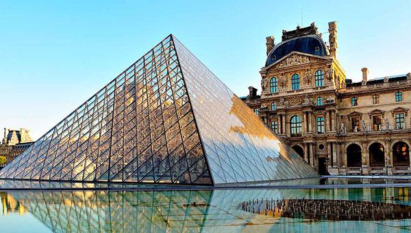الوصول إلى باريس، فرنسا