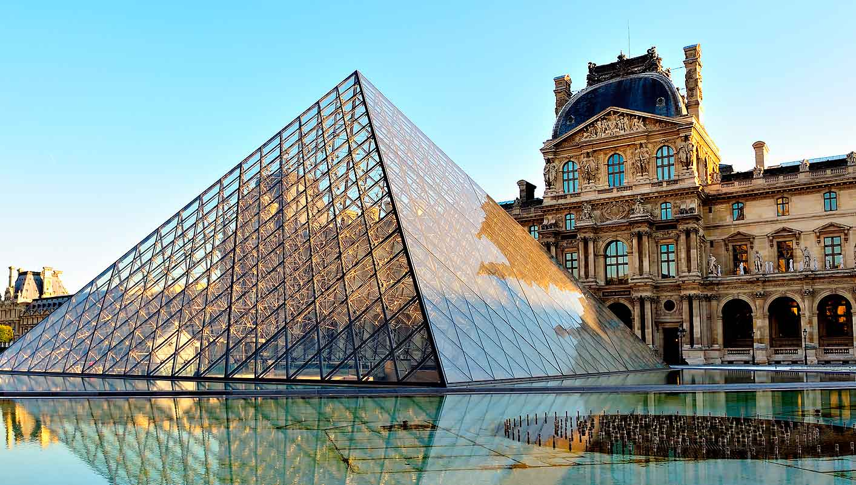 . باريس، فرنسا